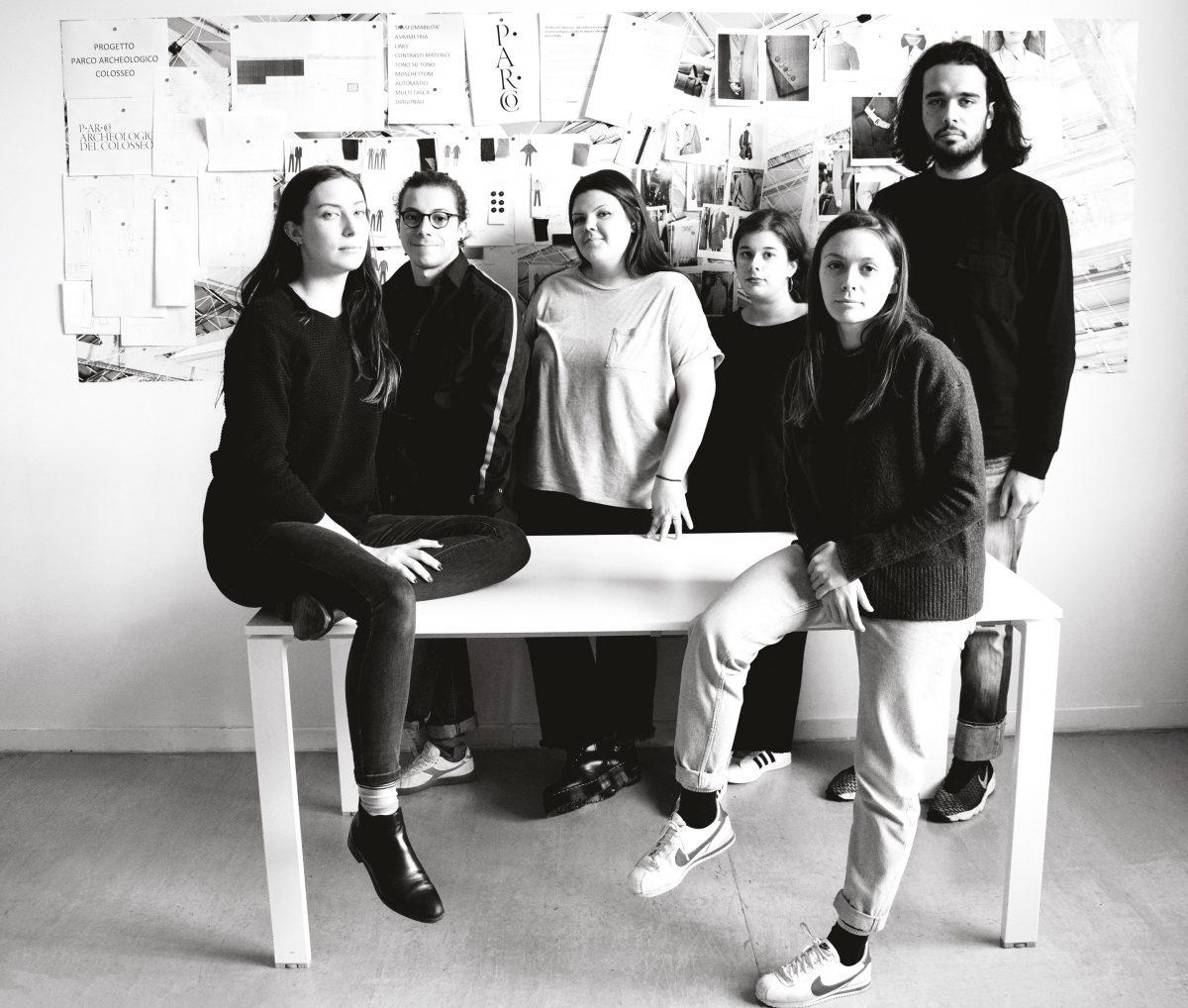 """Modartech """"veste"""" il Colosseo: studenti di Fashion Design"""